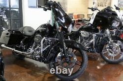 Sport Chrome Reinforcer Gloss Black Wheel Harley Touring 21 Package
